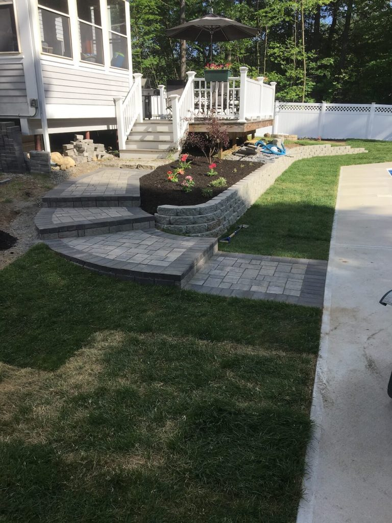 Patio and Retaining wall Bedford, NH Picture 19